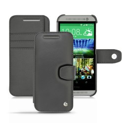 The HTC One M8 cover with wallet-style clasp